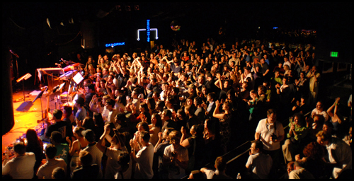 roxy08-crowd.jpg
